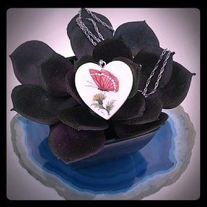 VINTAGE 925 Genuine ScrimShaw Butterfly Heart Nkl